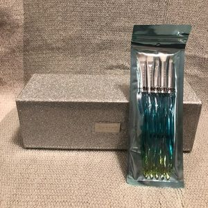 Morphe brush case with FARAH brushes